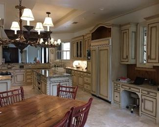 Full Kitchen - excludes table & chairs - includes light fixtures
