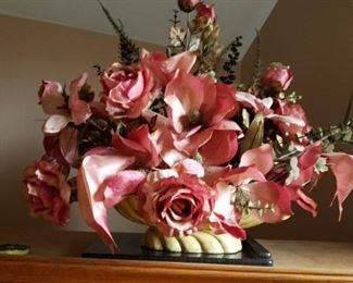 Large Rose floral arrangement
