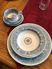 Wedgwood Florentine Turquoise 6pl setting for 13