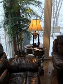 END TABLES AND LAMPS