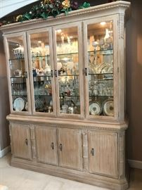 LEXINGTON CARAMEL FROTH COLORED HUTCH