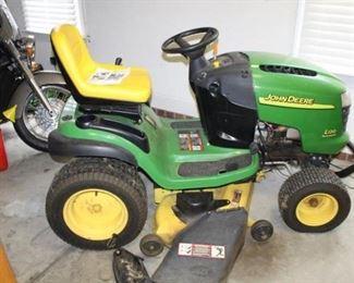 John Deer lawn tractor