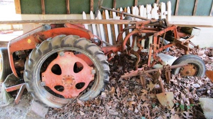 Allis Chalmers model g tractor