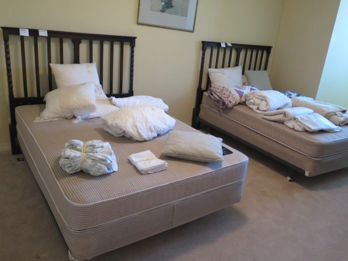 pair matching full size beds