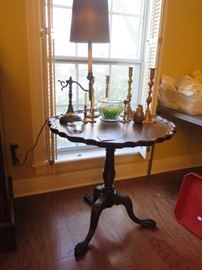 piecrust tilting table, mahogany, claw feet