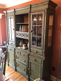 Beautiful country chic china hutch cabinet