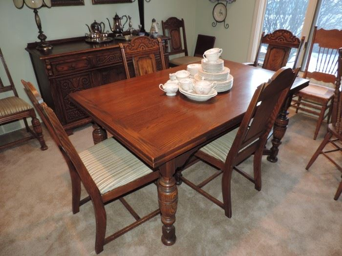 Table and Chairs !