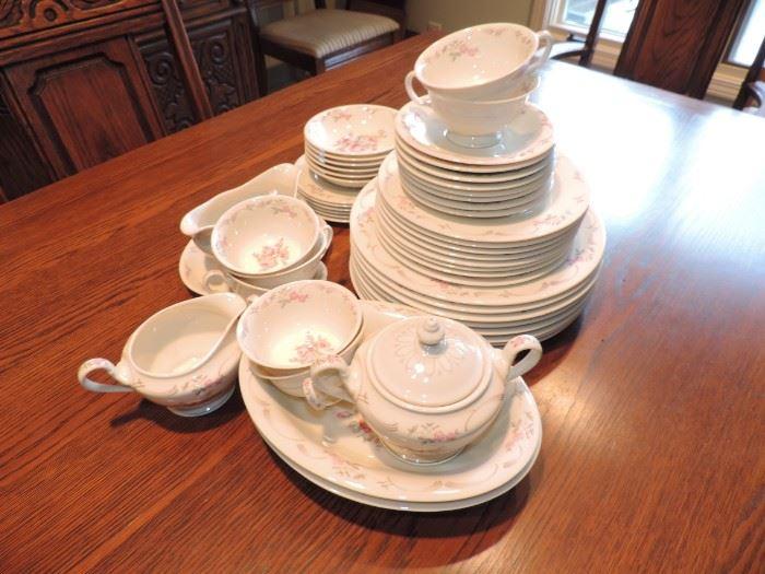 Castleton Dishes
