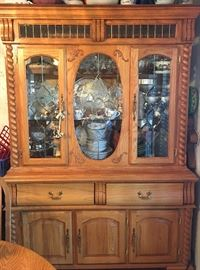 OUTSTANDING lighted Dobbs Furniture solid Oak China Cabinet