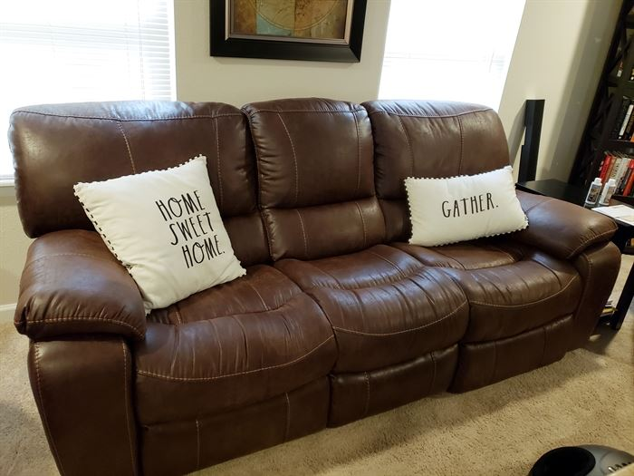 New Electric Recliner Couch   - Cindy Crawford line