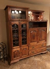 Beautiful heavy duty well made wood and glass display piece : entertainment center