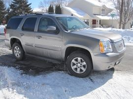 2007 Yukon SLT with removable 3rd row seating. 134,900 miles.  $9,500 or Best Offer.