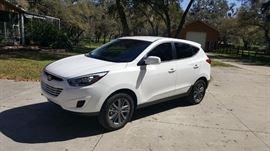 2015 Hyundai Tucson 2.0 liter.  4-cylinder  Front wheel drive 23,500 miles!
