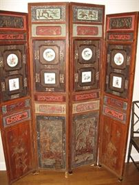 Antique Carved Screen...