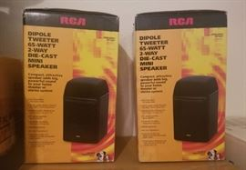 2 RCA PRO-LX55 Dipole Tweeter 65-Watt 2-Way Die-cast Mini Speakers