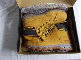 Dewalt Halogen Size 13 boots.