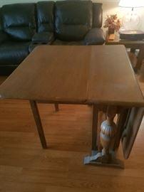 Drop leaf vintage table $195..now 50% off
