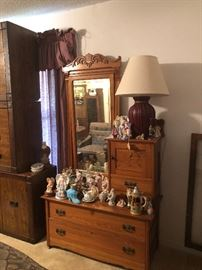 Gentleman's Dresser