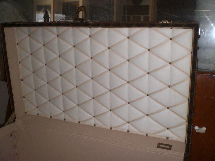 Interior of the Louis Vuitton cabin trunk
