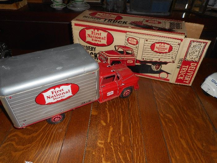Marx Delivery Truck with Box