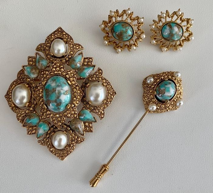 Sarah Coventry Jewelry including this set