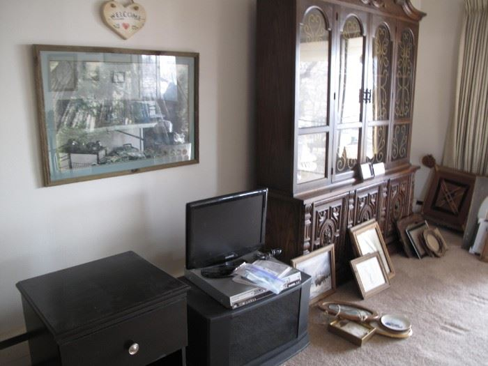 China  cabinet with lights (2-pieces)  Swivel TV stand, picture frames