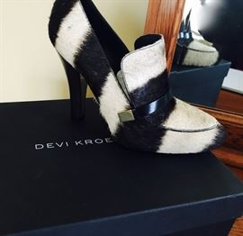 Devi Kroell, Sebra Loafers, new in box with tags, size 38, retail - $1,500.00! (This is not our price!)