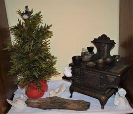 Antique Cast Iron Salesmans Sample Stove with original Accessories.