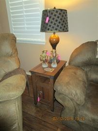 END TABLES (SOLD) THERE ARE 2 LAMPS EXACTLY THE SAME