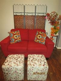 RED LOVE SEAT EXCELLANT CONDITION $150