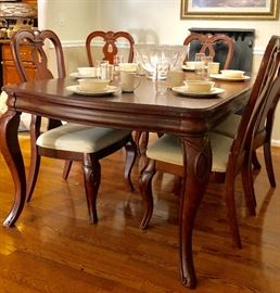Gorgeous dining set was $4,500 TWO YEARS AGO!!   NOW ASKING $475!!  Includes 6 outstanding  chairs, and generously large leaf!! CAN EASILY SEAT 8!