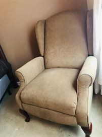 Custom made recliner perfect condition.  Today $74 as starting price. Make offers!