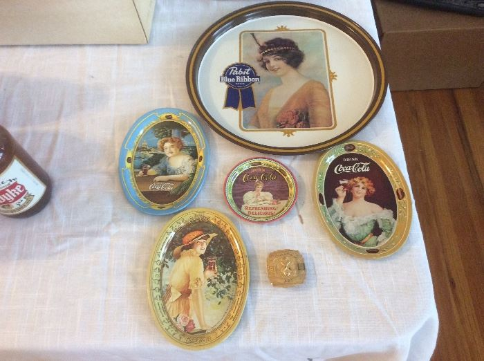 Reproduction trays