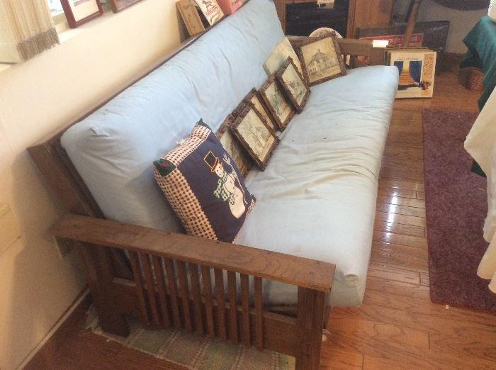 Oak futon