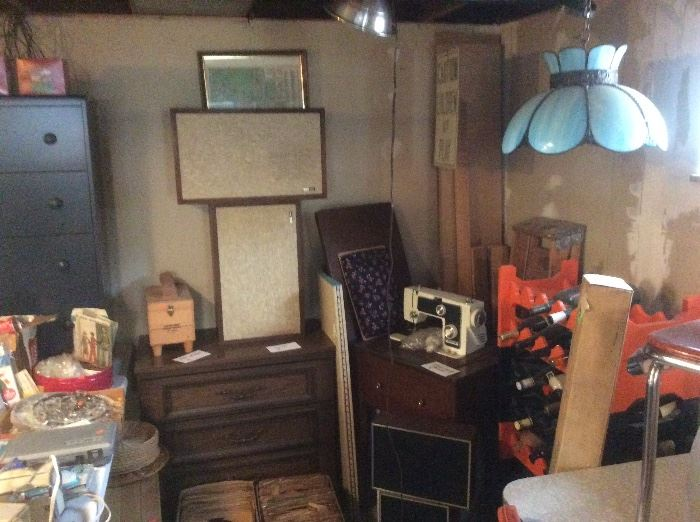 Vintage speakers and sewing machine, art glass lamps