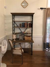 Bookcase/etagere
