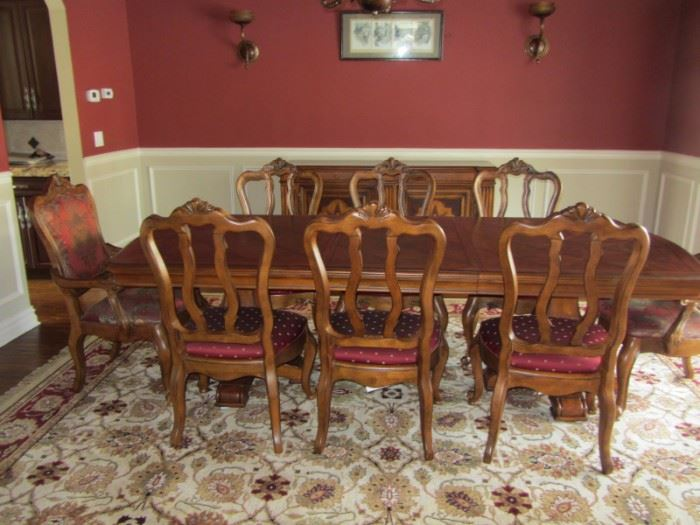ETHAN ALLEN DINING TABLE WITH 8 CHAIRS, 2 LEAVES AND SIDEBOARD