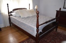 4 Poster Bed with Full / Queen Mattress