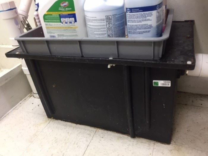 32x20x18 Grease trap.