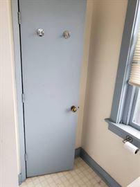 Lot of interior doors on 3rd floor