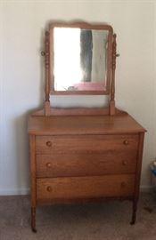 Nice 3 drawer oak dresser with mirror.