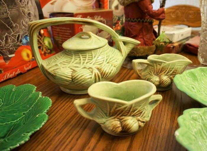 McCoy Pine Cone tea service
