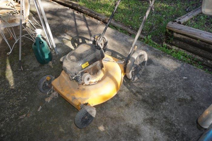 Poulan push mower