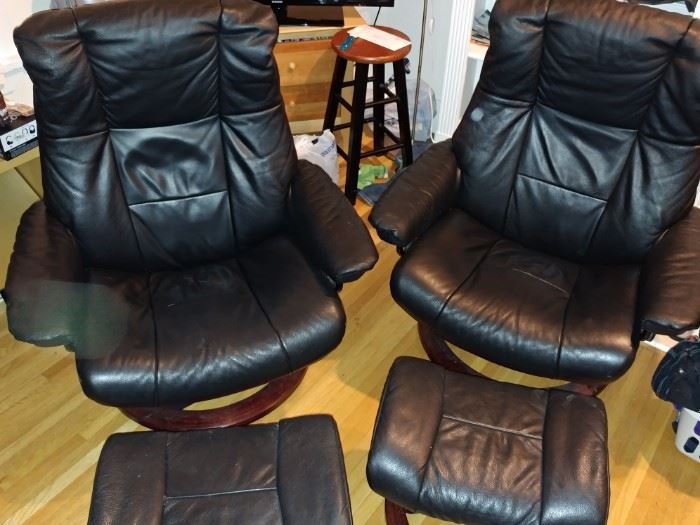 STRESSLESS BY EKORNES RECLINERS AND OTTOMANS ALSO SWING TABLES