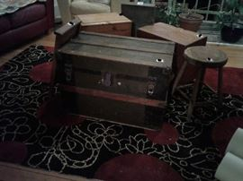 CHEST BOXES ALSO RUG