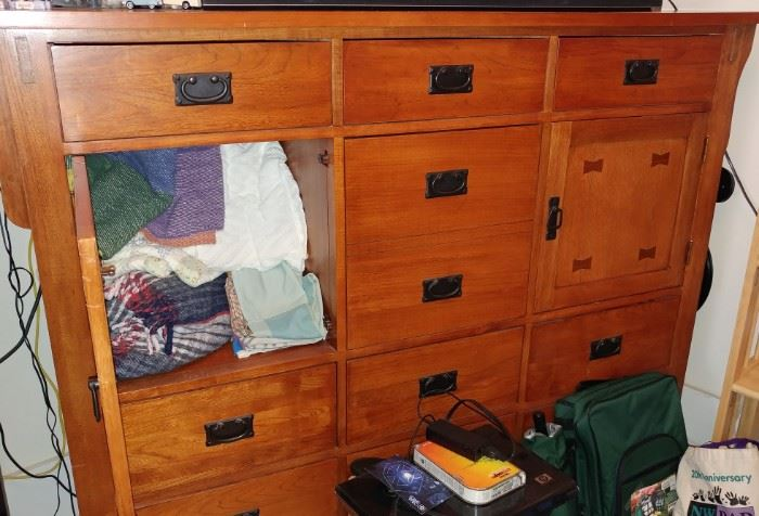 THIS DRAWER IS MATCH WITH BED FRAME SET AND NIGHT STAND (SEE OTHER PICTURE)