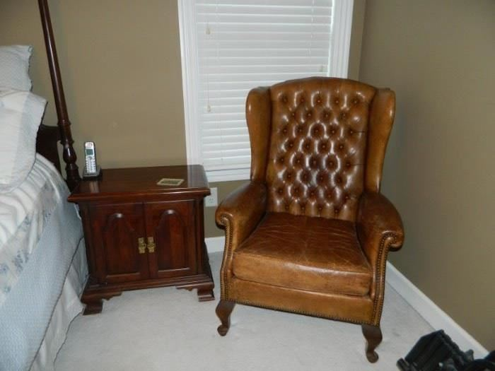 MBR - 2 of the night stands, vintage leather chair