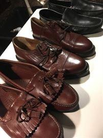 DESIGNER ShoeS 9& 1/2 to 10&1/2 sizes $5 pair Johnson & Murphy , Venturi, Caporici , Tommy Bahama etc.