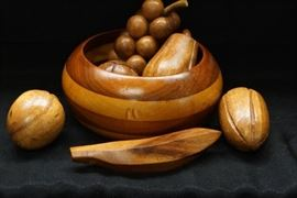 Vintage Wooden Fruit Bowl with Fruit  Lovely Deco ...