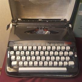 Vintage Remington 333 Typewriter